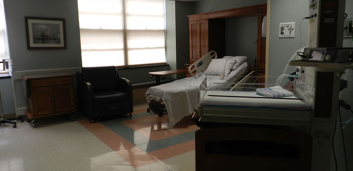 Huntington Hospital labor and delivery room