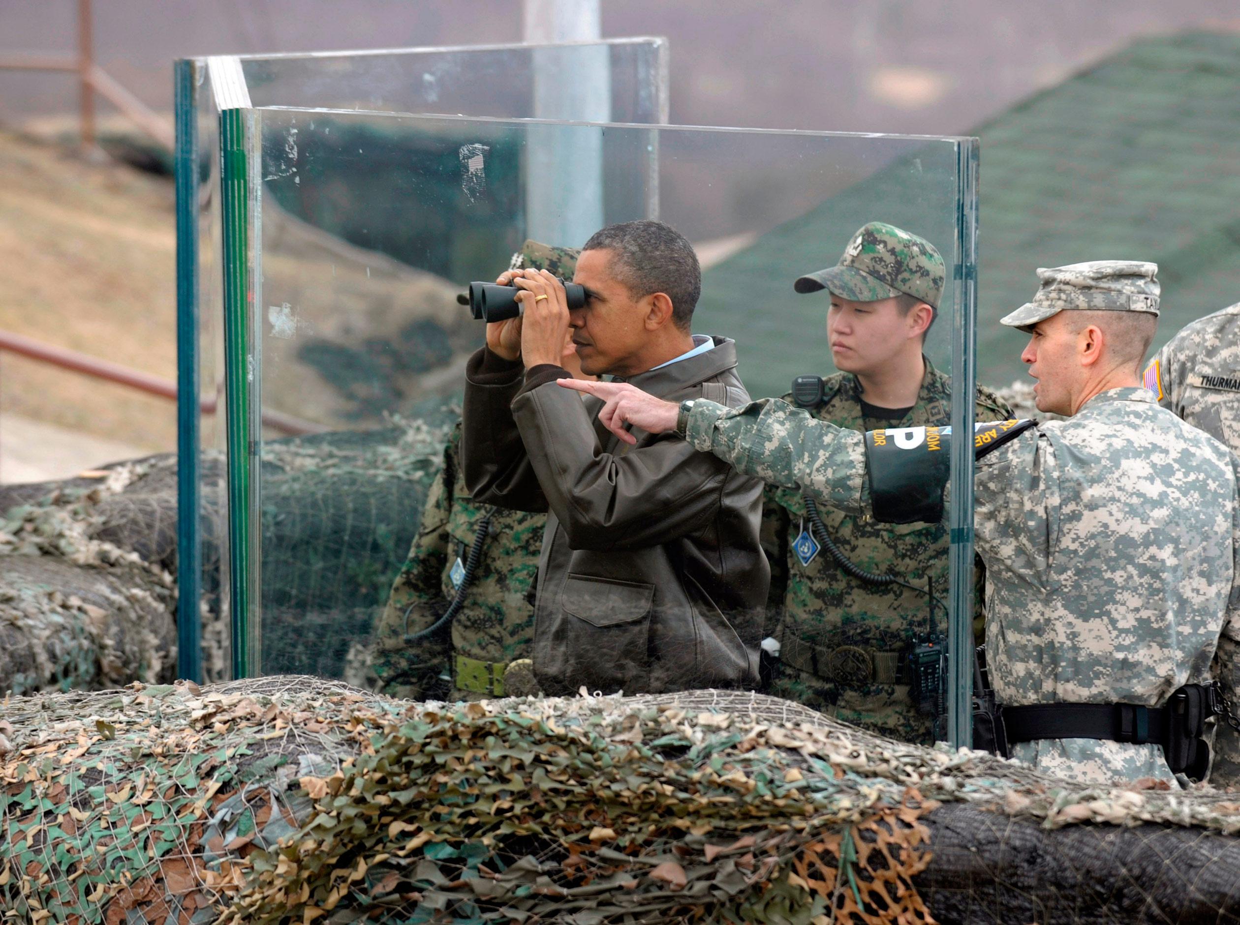 Barack Obama in Panmunjom in the Demilitarized Zone